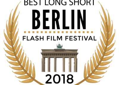 OUTSIDE ARCADIA - BERLIN FLASH BEST LONG SHORT